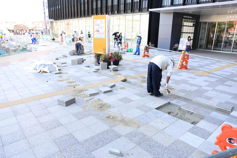 JR成田駅前広場