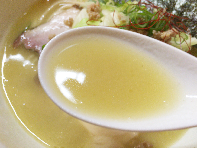 濃厚鶏白湯ラーメン塩_スープ