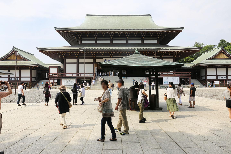 成田山 本堂